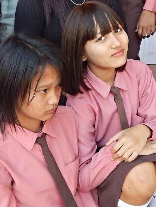 Schoolgirls in Hnahthial, Mizoram       Credit: Wikimedia Commons
