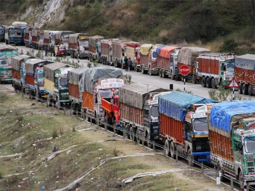 Truckers' strike: 90% of food produce at stake