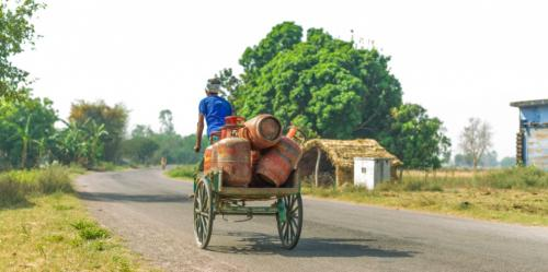 One crore Ujjwala scheme beneficiaries have not refilled cylinders