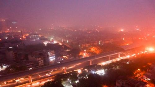 Delhi air