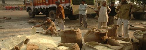 6 reasons why India has failed to solve the riddle of agriculture marketing