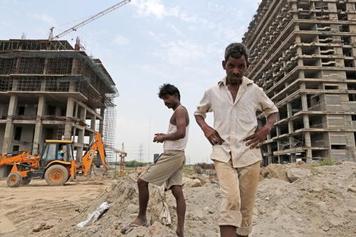 मजदूर दिवस : सरकारी उपेक्षा के शिकार श्रम कानून