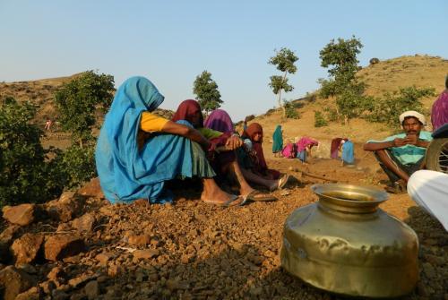 जल संकट का समाधान: बारिश का आधा पानी बचाने से दूर हो सकती है प्यास