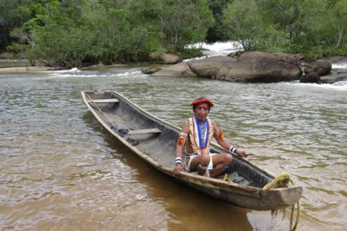A Piaroa man in Alto Cuao, in the Venezuelan Amazon. Photo: Wataniba Socio-environmental Work Group for the Amazon.