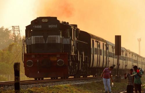 भारतीय रेल बनेगी प्रदूषण रहित लेकिन कब तक