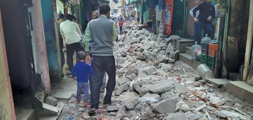 India drowns in construction, demolition debris