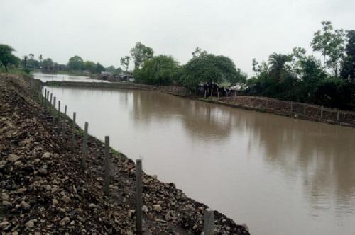 पानी बचाने के लिए बंजर भूमि में बनाया 67 लाख लीटर क्षमता का तालाब