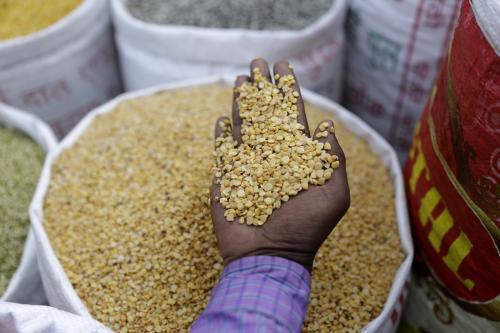 शहरों में पहुंच रहा है ग्रामीण भारत का पैसा