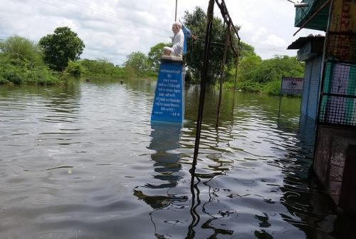 सरदार सरोवर बांध के कारण डूब गए 1.75 लाख पेड़