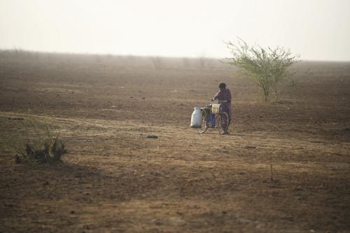 बंजर होता भारत -8: गुजरात भी मरुस्थलीकरण की जद में, 50 फीसदी क्षेत्र में दिख रहा असर