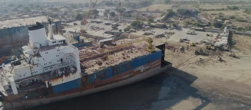 Breaking a ship at Alang can be toxic, shows Dutch docu