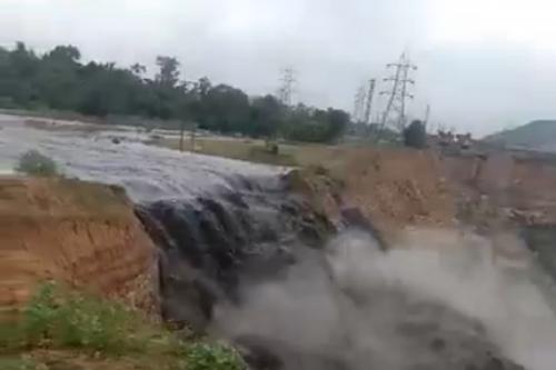 अब लीलागर नदी को खतरा, खदान का गाद भरा पानी बहाने की तैयारी