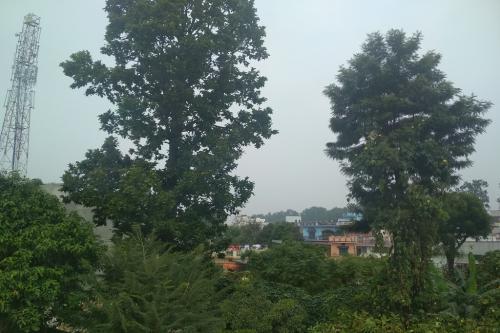 जहरीले धुएं की चपेट में आ रहा है वादियों का शहर देहरादून