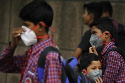 वायु प्रदूषण से बच्चों को बचाने के लिए कुछ तो कीजिए