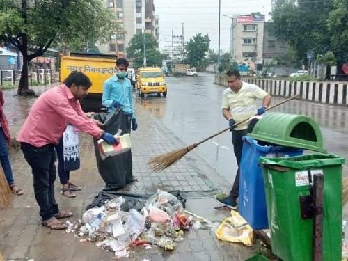 क्लीन सिटी-1: कचरे से चली बस, प्लास्टिक से बना डीजल, इंदौर ऐसे बना सबसे साफ शहर