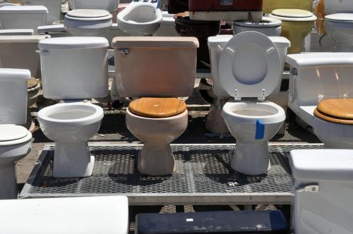 खोज: नई टॉयलेट कोटिंग बचा सकती है 50 फीसदी से अधिक पानी