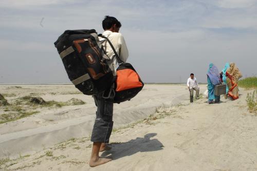 दुनिया भर में बढ़ रही है प्रवासियों की संख्या, भारतीय सबसे अव्वल: रिपोर्ट