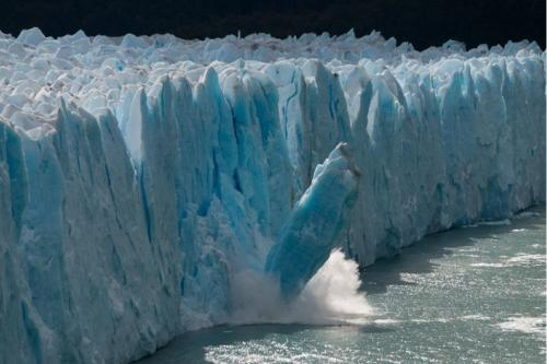 ग्रीनलैंडकी बर्फ पिघल रही है,10करोड़ लोगो पर मंडरा रहा है बाढ़ का संकट