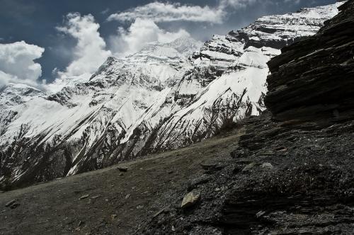 ग्लोबल वार्मिंग के चलते हिमालय क्षेत्र की हजारों झीलों पर मंडरा रहा है बाढ़ का खतरा