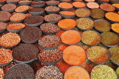 फ्री ट्रेड एग्रीमेंट: सबसे बड़ा उत्पादक होने के बावजूद दाल क्यों आयात करता है भारत