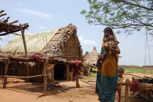 भारत क्यों है गरीब-4: घोर गरीबी से बाहर नहीं निकल पा रहे हैं लोग
