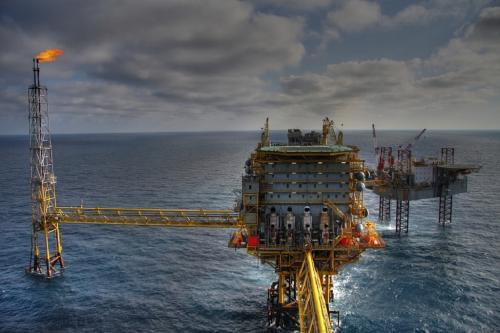 तेल व गैस उद्योग पहुंचा रहे हैं सागरों को नुकसान: स्टडी