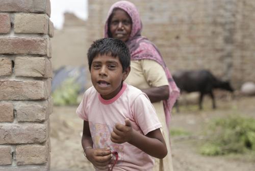 भारत में बच्चों के जीवन के लिए बड़ा खतरा हैं प्रदूषण, जलवायु परिवर्तन और जंक फूड