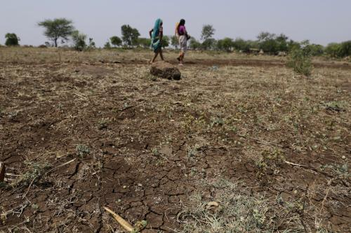 जल संकट झेल रहे किसानों को सहायता देगी सरकार, लेकिन कब?
