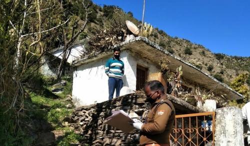 कोरोनावायरस: पहाड़ों पर चरम पर पहुंचा स्थानीय बनाम प्रवासी विवाद