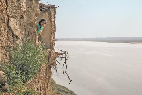 पलायन की पीड़ा-1: गांव लौटकर क्या करेंगे प्रवासी मजदूर