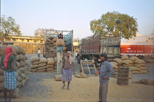 गांव के 22 हजार हाट बाजारों में अब तक सिर्फ 476 को किया जा सका अपग्रेड