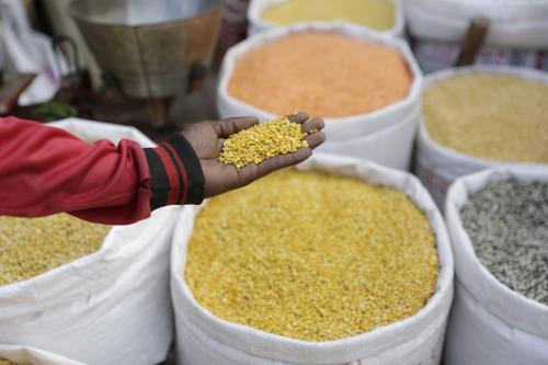 देश की आठ हजार दाल मिले बंद है, जानिए दलहन किसान और मजदूर का हाल