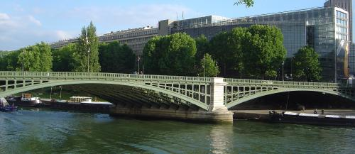 Novel coronavirus genomes in wastewater correlated with COVID-19 fatalities in Paris: Study