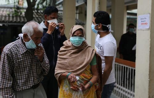 कोविड-19:कहां हैं प्राइवेट अस्पतालों की वकालत करने वाले लोग?