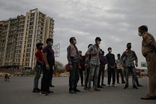 क्या मजदूरों के खाते में पहुंच गए 1,000 से 6,000 रुपए?