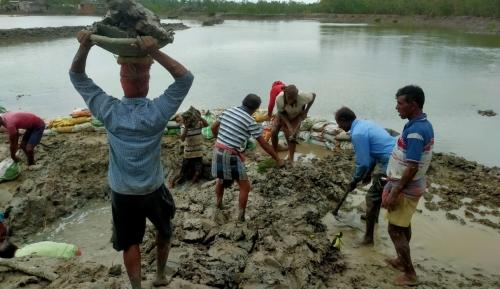 Sundarbans, several areas of Kolkata incommunicado 24 hours after Amphan
