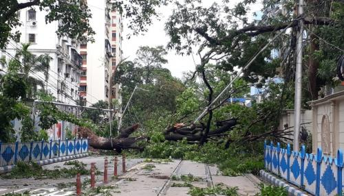 Cyclone Amphan: Waterlogging sparks COVID-19 infection fear in Bengal