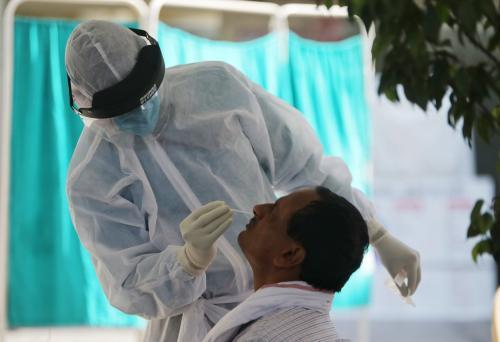 कोरोनावायरस: गंभीर/नाजुक मामलों में अमेरिका के बाद दूसरे नंबर पर पहुंचा भारत