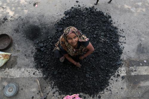 कोयला खदानों की नीलामी: राष्ट्रीय संपदा के केन्द्रीकरण की कोशिश!