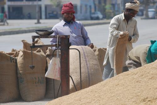 नए कृषि कानूनों से किसानों को नहीं, व्यापारियों को होगा फायदा