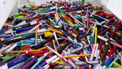 प्लास्टिक पेनों से होने वाला 91 फीसदी कचरा नहीं होता रिसाइकल