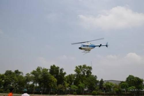 हेलीकॉप्टर से टिड्डियों पर हमला, कहीं देर तो नहीं हो गई