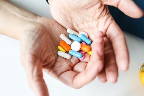 दवा लक्ष्यों की सक्रियता का पता लगाने के लिए बनाया डिजाइनर बायोसेंसर