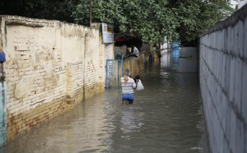 What happened to India's flood management plan?