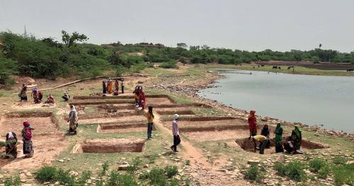 मनरेगा: नए ग्रामीण भारत की रीढ़