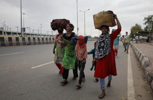 कोरोना के कारण गरीबी के चरम स्तर पर पहुंच सकती हैं दुनिया की 4.7 करोड़ महिलाएं: यूएन