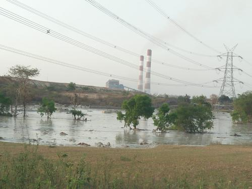 Effective deterrence needed to ensure full ash utilisation by coal power plants in India