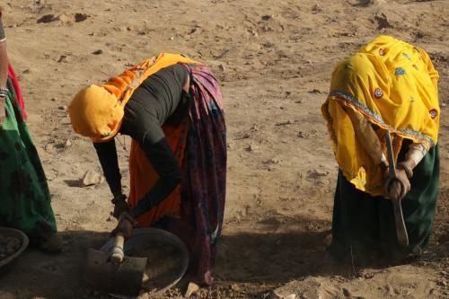 मनरेगा मजदूरों का 1200 करोड़ रुपया फंसा, काम के बाद भी भुगतान रद्द