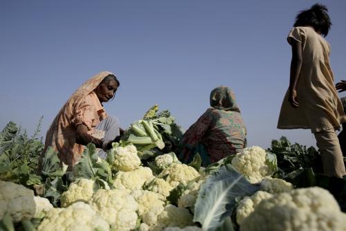 किसानों को बाजार के हवाले करने से खेती मजबूत नही होगी: टिकैत