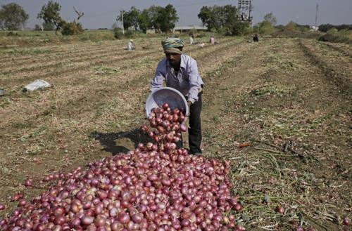 तीनों कृषि विधेयकों से आखिर किसे होने वाला है फायदा?
